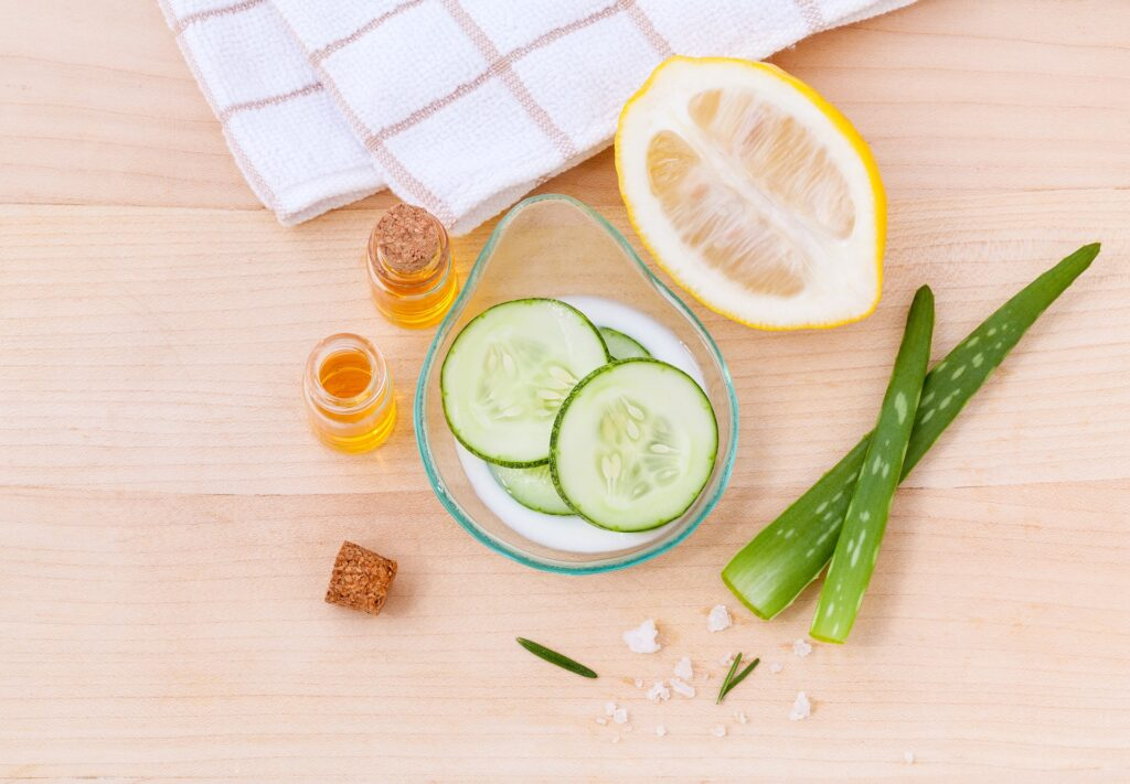Natural home remedies to get glowing skin